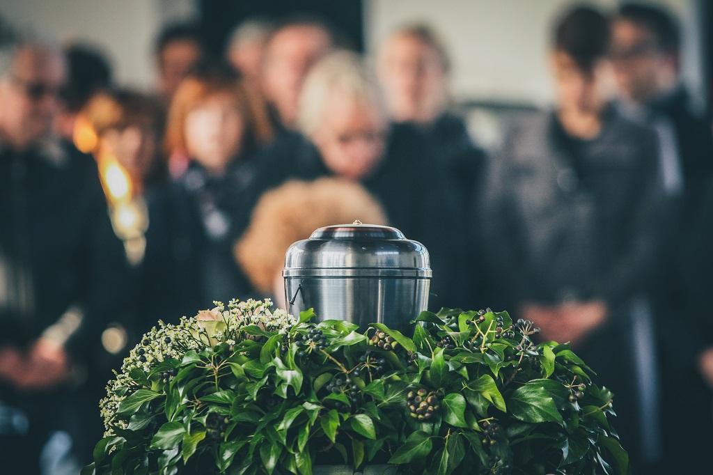 Metalurne auf Beerdigung